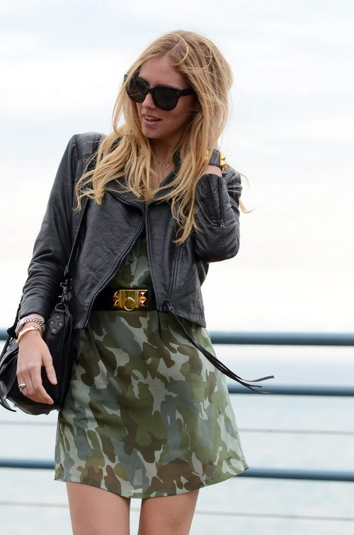 look-street-style-vestido-camuflado-blog-The-Blonde-Salad