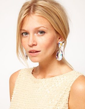 Statement earrings: Ejemplo tipo gema en forma de gota
